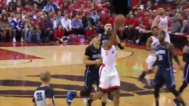 Only one hand free for Kawhi? No problem