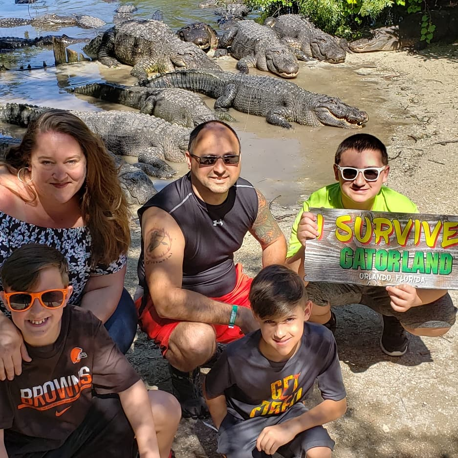 What an amazing day we had @Gatorland! A great spot to see all the animals that are native to Florida! We zip-lined, fed the alligators, rode the monster truck & much more!  Affordable fun for the whole family  #gatorland #wearealligators #gatorlandisawesome #gatorlandglobal <br>http://pic.twitter.com/48hSdjtjyZ