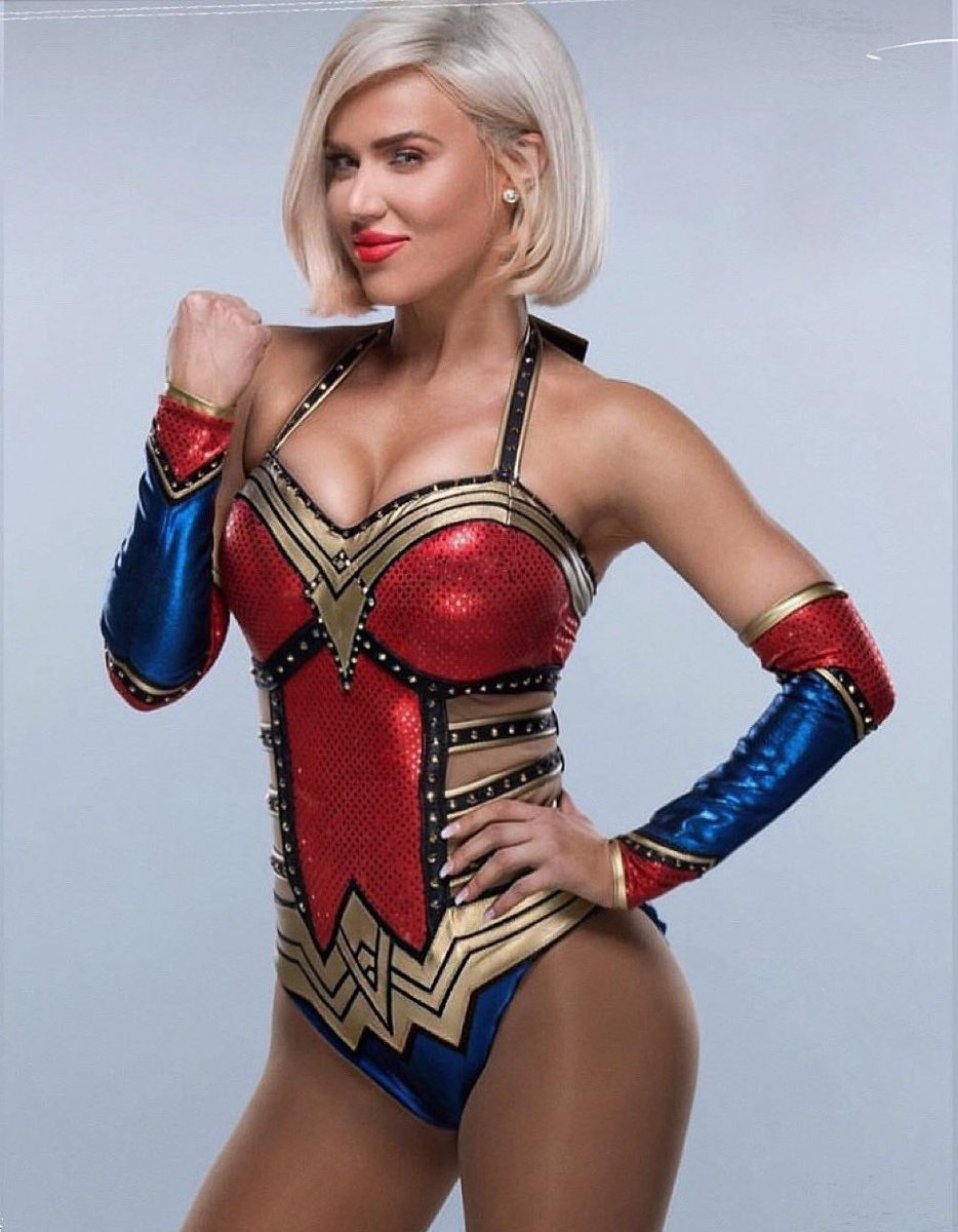 This Wonder Women gear legit slayed on @LanaWWE at Wrestlemania. If you don&#39;t agree, you&#39;re just #Salty. Lana is the best, Lana number one.<br>http://pic.twitter.com/WJqVq9KQUS