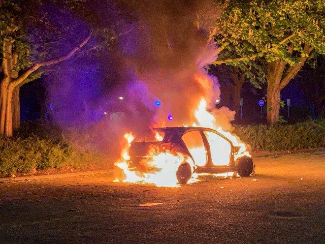 Vlaardingen - Opnieuw auto uitgebrand https://t.co/mPRB6o0Nu5 https://t.co/wByb3kEZsE
