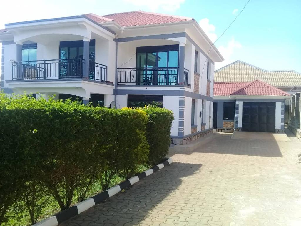 For sale.... located in Kitende seated on 20dec @only 700 million negotiable Dm
