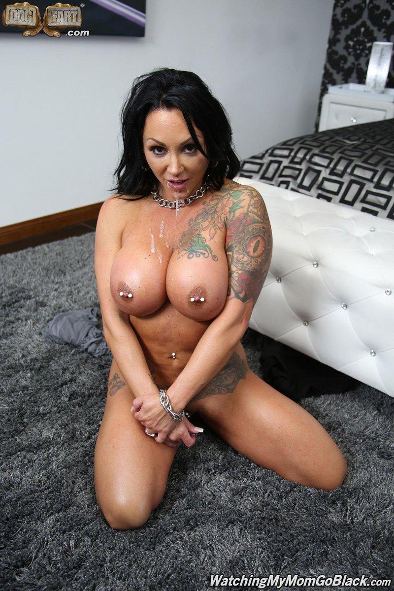 Ashton Blake Nude