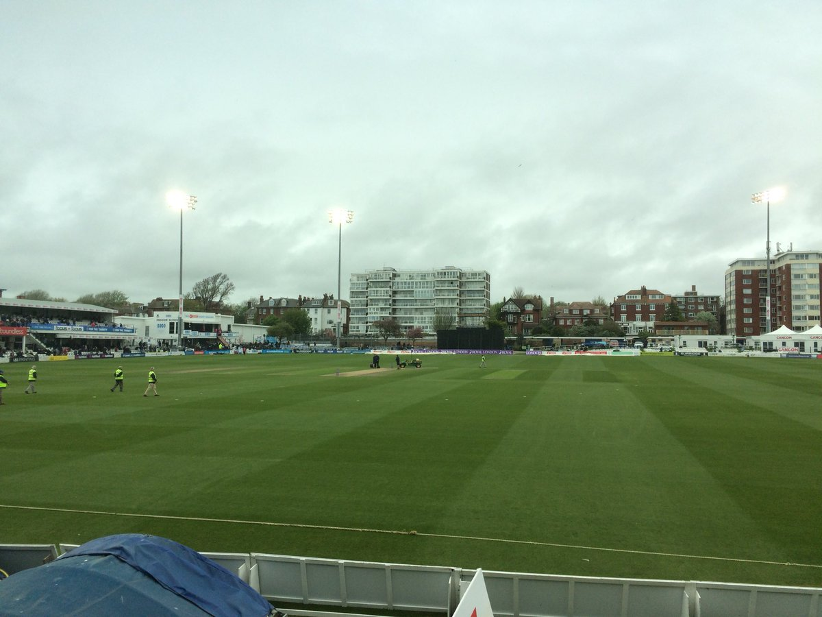 Somerset finish 283-8 scoring 97 off the last 10 overs, Surrey made 274 on the same pitch batting first on Friday, so this score looks about par.