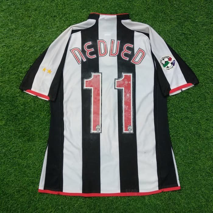 c9996f0b9 ... M ( 73cm x 54.5cm ) Very Good Condition Player issue Official Juventus  nameset