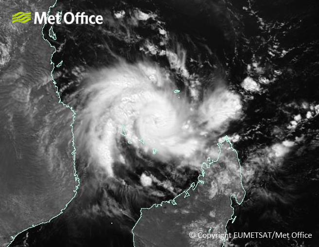 Tropical Storm #Kenneth expected to strengthen further as it passes close to the island of Grande Comore tonight and make landfall over northern #Mozambique tomorrow.