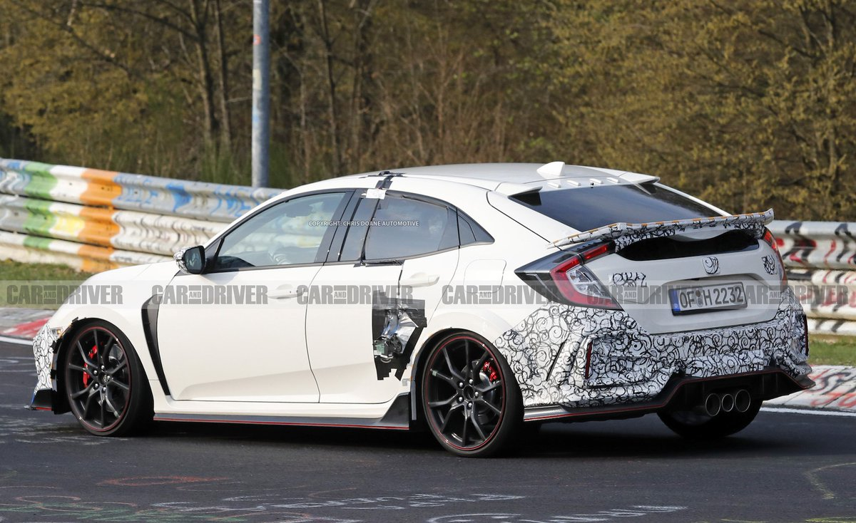 The @Honda Civic Type R might be getting a throwback color and a smaller rear wing: http://crdrv.co/AhjztwZ