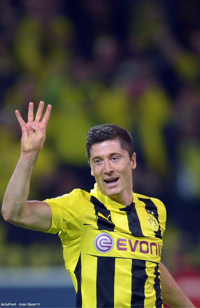 Il y a 6 ans jour pour jour, le Borussia Dortmund battait le Real Madrid (4-1) grâce à un quadruplé de Robert Lewandowski. Quel match ! 💥😍