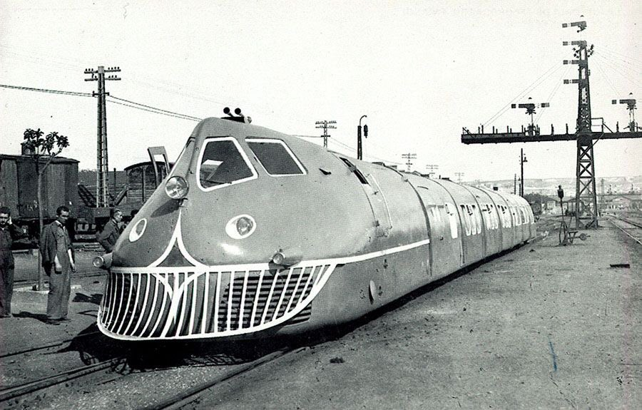 All I know about this weird unfriendly looking train is that it's TALGO prototype 1942