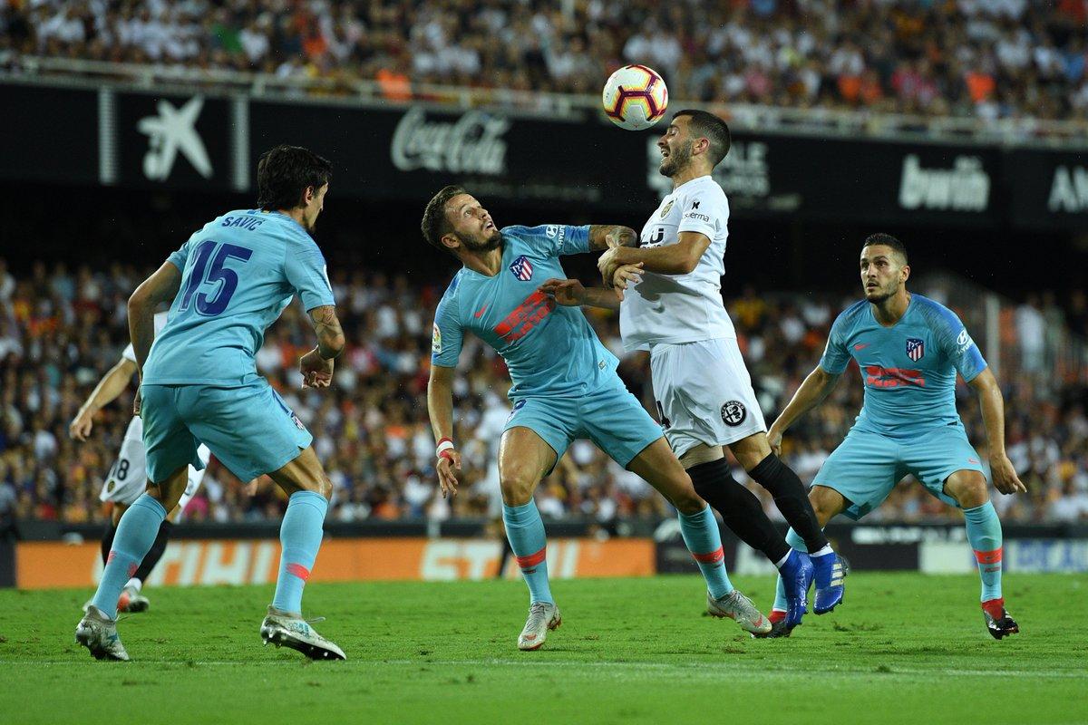 28 - El  @valenciacf es el equipo que menos goles ha encajado en LaLiga esta temporada (28) tras el @Atleti (21). Duelo.