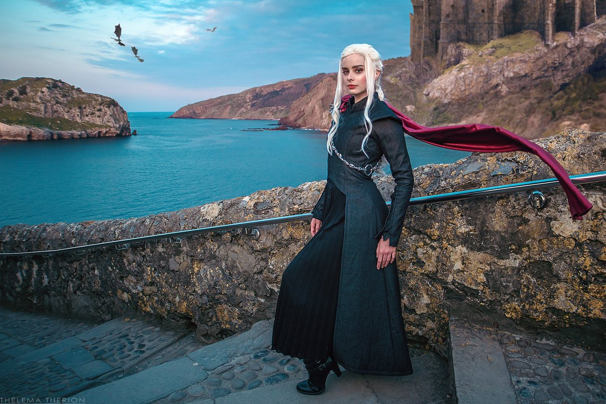 &quot;High in the halls of the kings who are gone Jenny would dance with her ghosts&quot;  My Dany cosplay is here I&#39;m so hyped about this final season of GoT! What do you think will happen in the next episode?   taken by @Andivicosplay &amp; edited by me #daenerystargaryen  #GameofThrones <br>http://pic.twitter.com/tjseKFngPF
