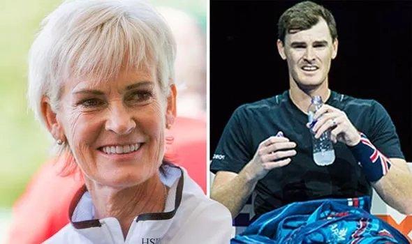 Andy Murray's mum Judy Murray mocks son Jamie's outfit after #barcelona2019 2019 match  https://www. express.co.uk/celebrity-news /1118282/andy-murray-judy-murray-jamie-murray-twitter-barcelona-open-2019-news &nbsp; … <br>http://pic.twitter.com/ATLqGfHVBI