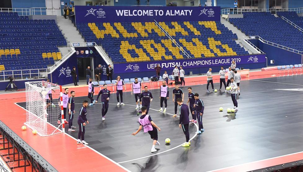 El Barça Lassa ya conoce el Almaty Arena https://www.mundodeportivo.com/futbol/sala/20190424/461847345648/el-barca-lassa-ya-conoce-el-almaty-arena.html…