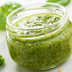 Image for the Tweet beginning: Try this quick homemade pesto