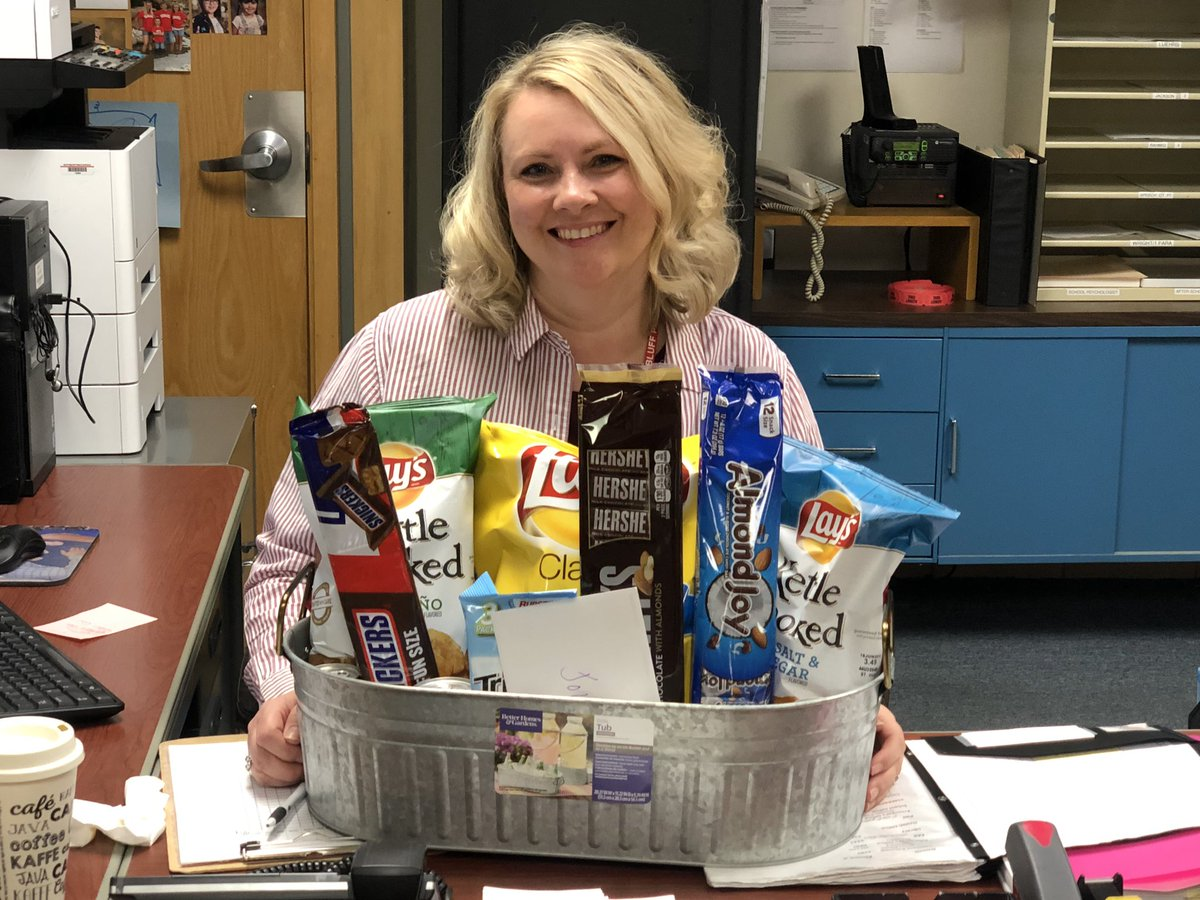 Happy Secretary's Day to our awesome Secretary Jolene! <br>http://pic.twitter.com/Cyl6g55IlR