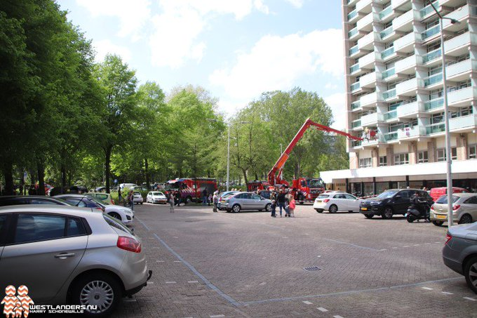 Middelbrand in flatgebouw aan Forellendaal https://t.co/NcfIKaxtvF https://t.co/fvqUBXxdUy