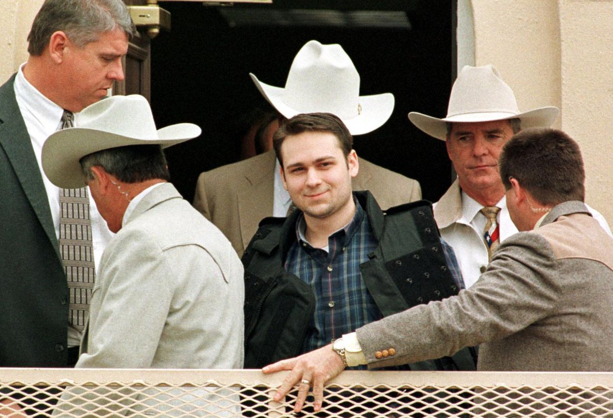 Facing imminent execution, James Byrd Jr's racist killer petitions Supreme Court in last hope trib.al/EPMnSyc