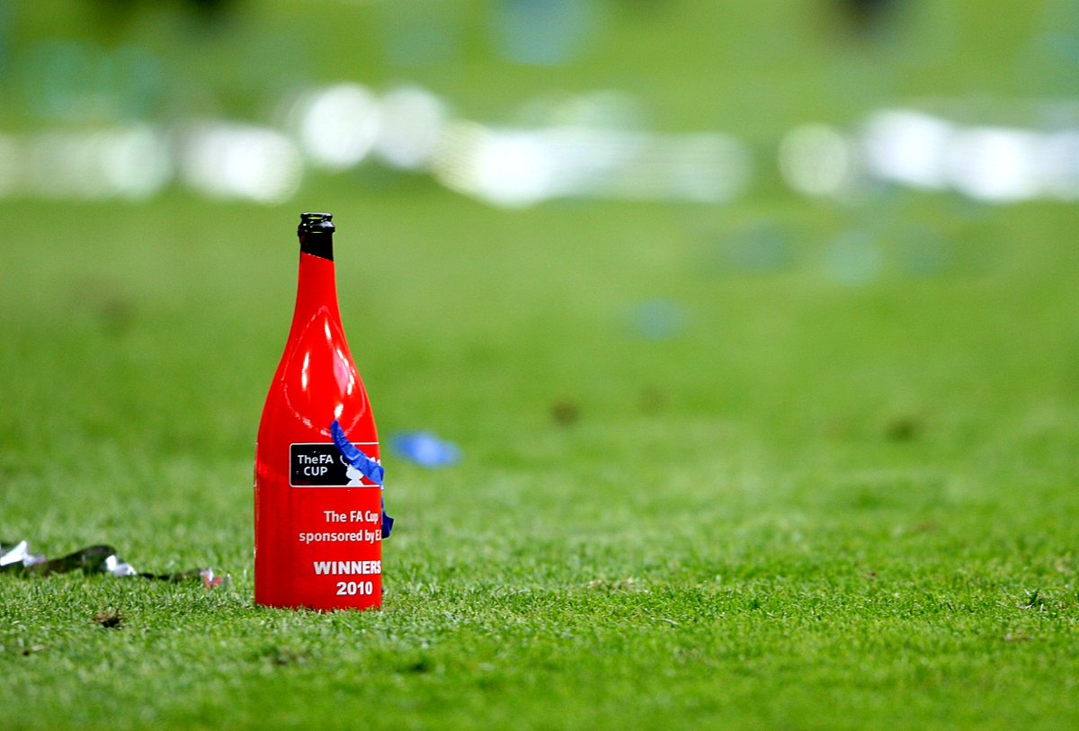 Therell be no champagne for the FA Cup winners anymore! Non-alcoholic bubbly will be handed out instead to be inclusive to players who dont drink because of their religion and those under 18. #CapitalReports