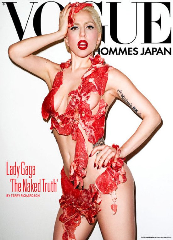 #FunFact This was Lady Gaga's original concept for the Iconic Meat Dress. Did you know?   #BBMAsAchievement Lady Gaga &amp; Bradley Cooper <br>http://pic.twitter.com/WiAkwplaPZ