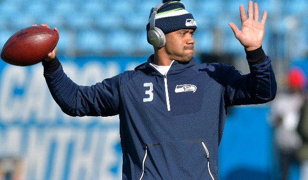 #RussellWilson gifted his offensive linemen in Amazon stock defendernetwork.com/sports/profess…
