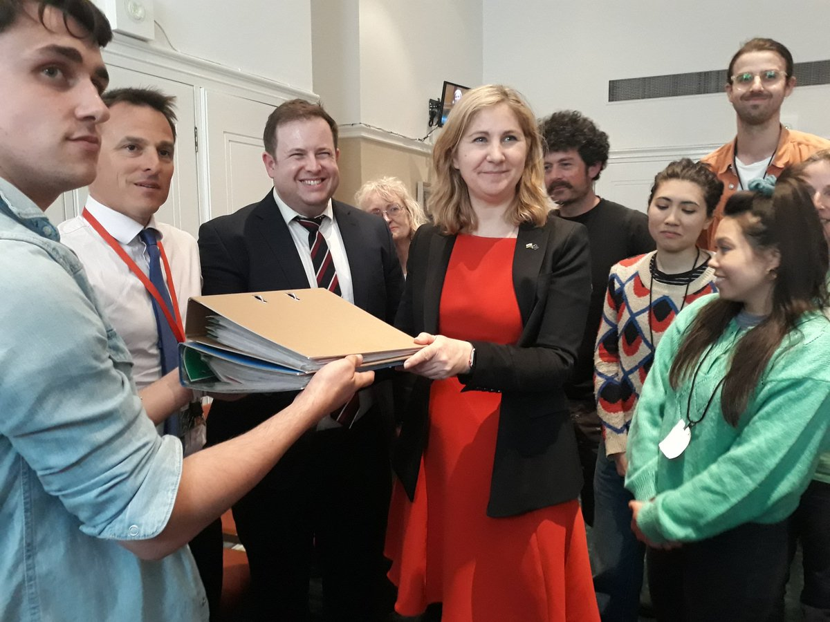 Thank you so much to @annamcmorrin for receiving our Extinction Rebellion letters to be distributed to her fellow MPs. So many productive conversations were had today with many MPs @ExtinctionR @XRBristol<br>http://pic.twitter.com/G7bWZUeygv