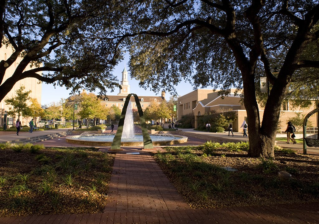 The #UNT College of Education is ranked No. 3️⃣in Texas in education on the 2020 @usnews list of #BestGradSchools. #UNTedu ow.ly/k7CY50n4EGf