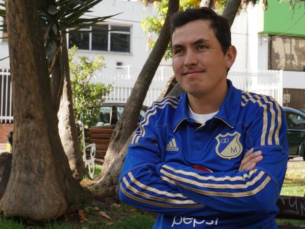 José Richard es colombiano e hincha de Millonarios. Nació con el Síndrome de Usher, enfermedad hereditaria que lo dejó sordo a los 9 años y ciego a los 15. Siempre tuvo un sueño: IR A UNA CANCHA DE FÚTBOL [ABRO HILO] https://t.co/Ex8chcb0NQ