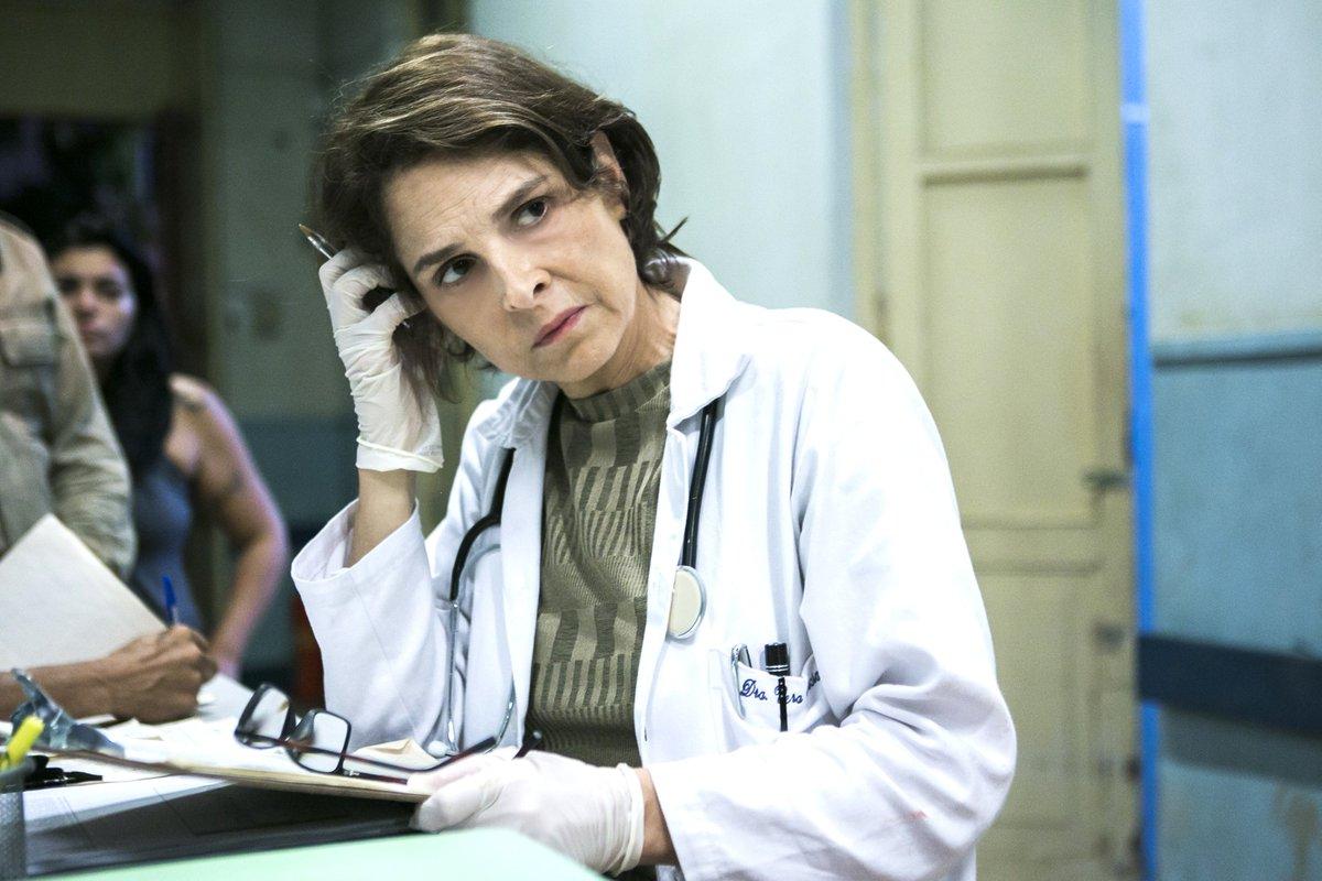 Doutora Vera já chega trabalhando #SobPressão!