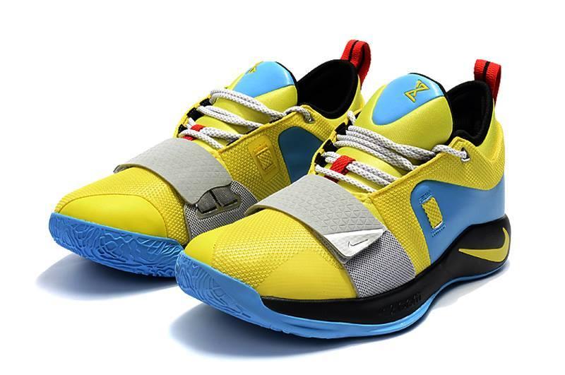Rejoins nos 160 000 fans de Sneakers et tente ta chance pour gagner la nouvelle PG2 ! http://bit.ly/2Fv3WG6 ✌ Kobe AD disponible ici : http://bit.ly/2FKiTn9 #Sneakers #Shoes #NBAFRANCE #Basketball