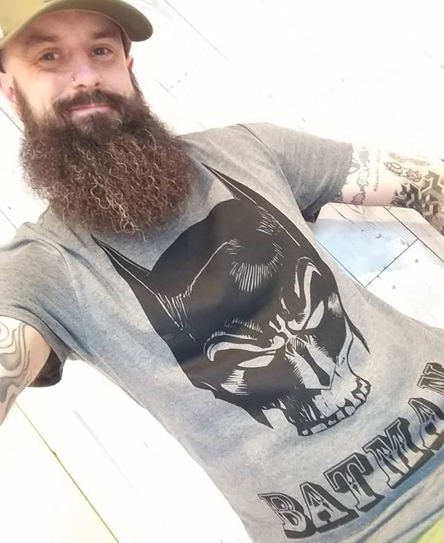 Batman tee on today for my counselling & physio appointments Quick change & off to meet Robin for a run to clear the hear & lift the mood 🏃🏻‍♂️🏃🏻‍♂️🏃🏻‍♂️🏃🏻‍♂️🏃🏻‍♂️🏃🏻‍♂️🏃🏻‍♂️🏃🏻‍♂️ #depression #mentalhealth #mentalhealthawareness #addiction #1dayatatime #u… http://bit.ly/2XLOElH