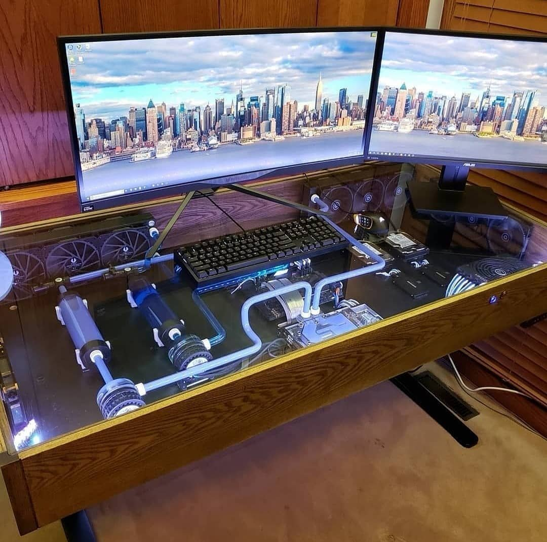 PC Desk Goals 😍😍😍  Pc built inside of a desk, yay or nay?? Reply + RT!!!   #litgamingarena #LGA #podcast #games #gaming #PCMR #PCGaming #gaminggoals #battlestation #Fortnite #PUBG