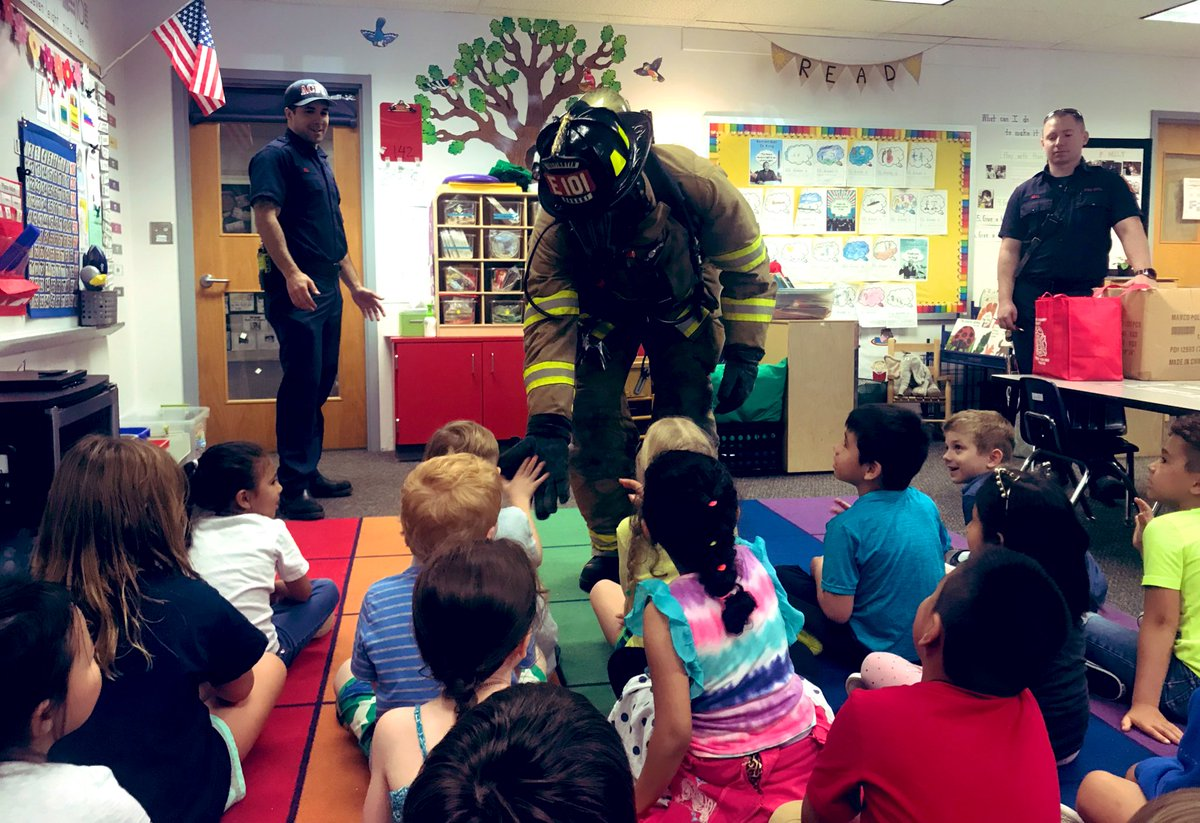 Thank you <a target='_blank' href='http://twitter.com/ArlingtonVaFD'>@ArlingtonVaFD</a> for taking the time to visit us today. We enjoyed learning more about what you do. You are awesome and we appreciate you! <a target='_blank' href='http://search.twitter.com/search?q=PHESbulldogs'><a target='_blank' href='https://twitter.com/hashtag/PHESbulldogs?src=hash'>#PHESbulldogs</a></a> <a target='_blank' href='https://t.co/bpiNorkkDB'>https://t.co/bpiNorkkDB</a>