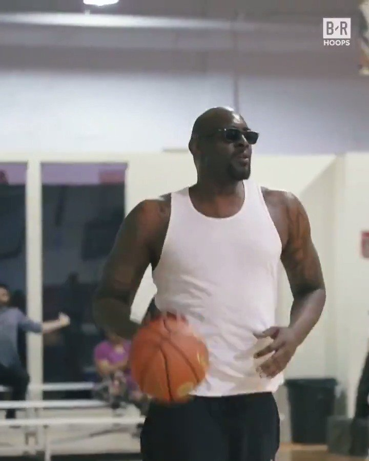 Stephen Jackson and Darius Miles balled out with the young stars at #IversonClassic practice... in shades