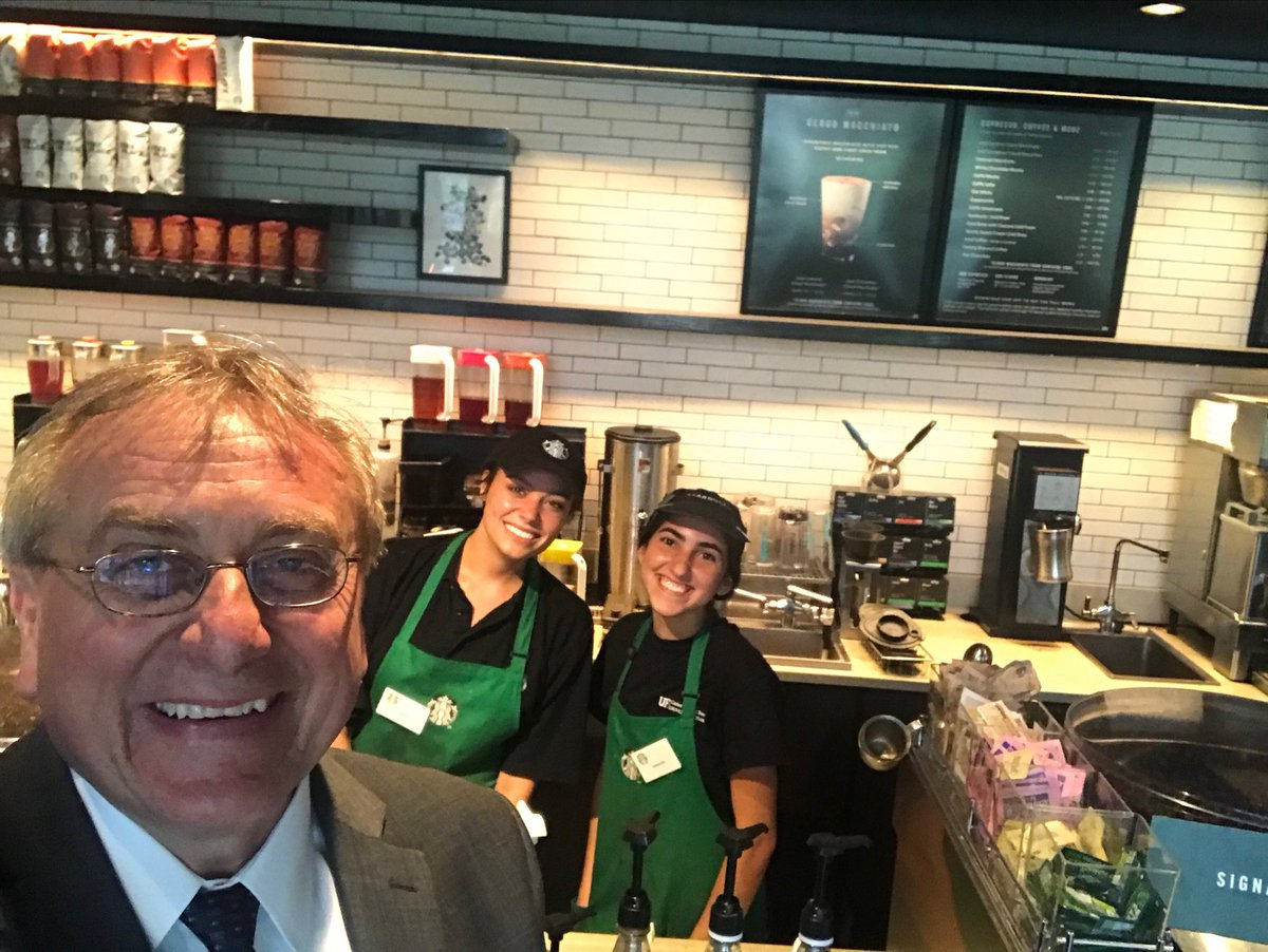 It's 5pm and we are celebrating the last day of classes for the academic year by treating the first 25 students to Starbucks at Library West.  Marston Library, you are next. <br>http://pic.twitter.com/MQY7zRqOWv