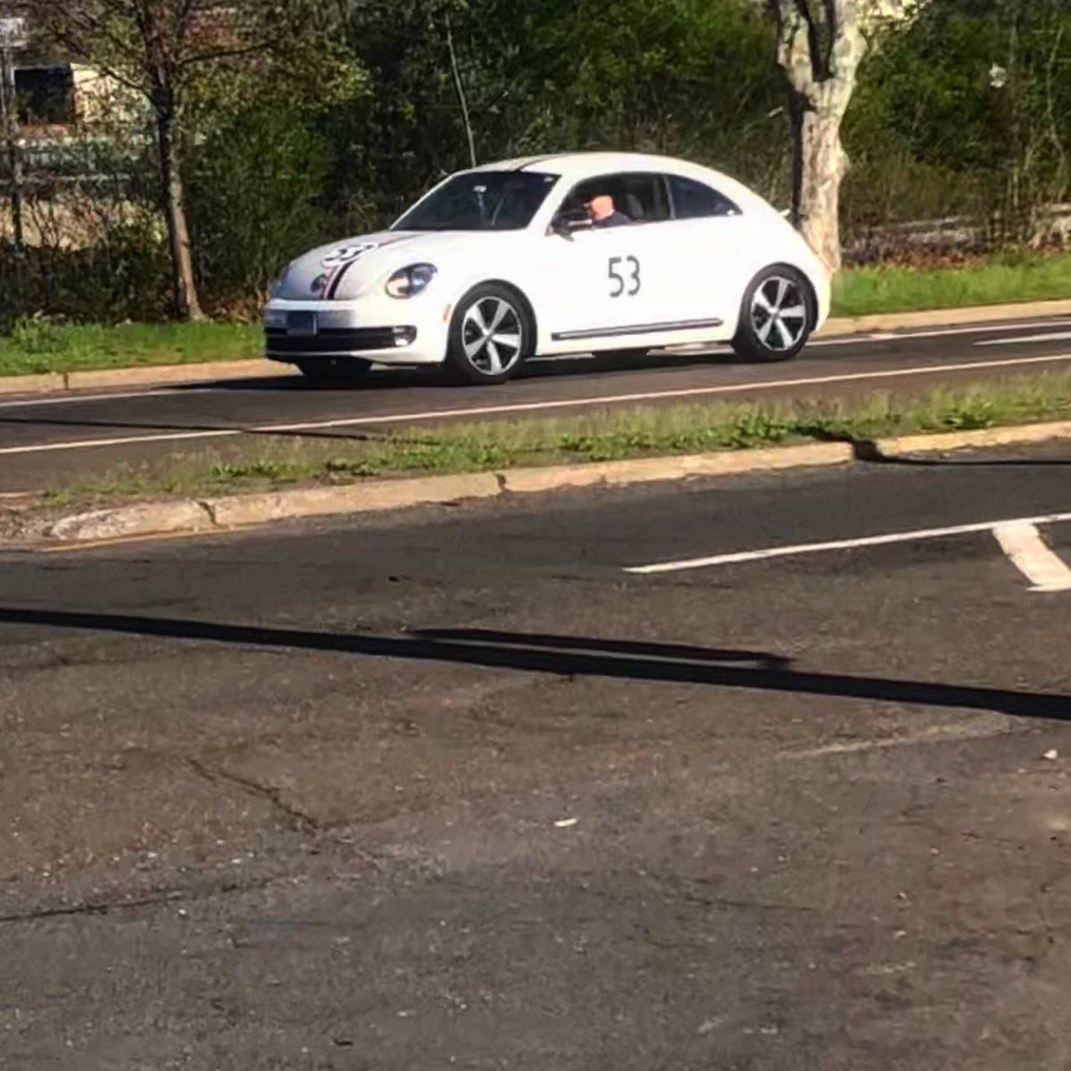 Found a VW Beetle on my way home. Anybody a fan of Hurbie? 😆 @VW