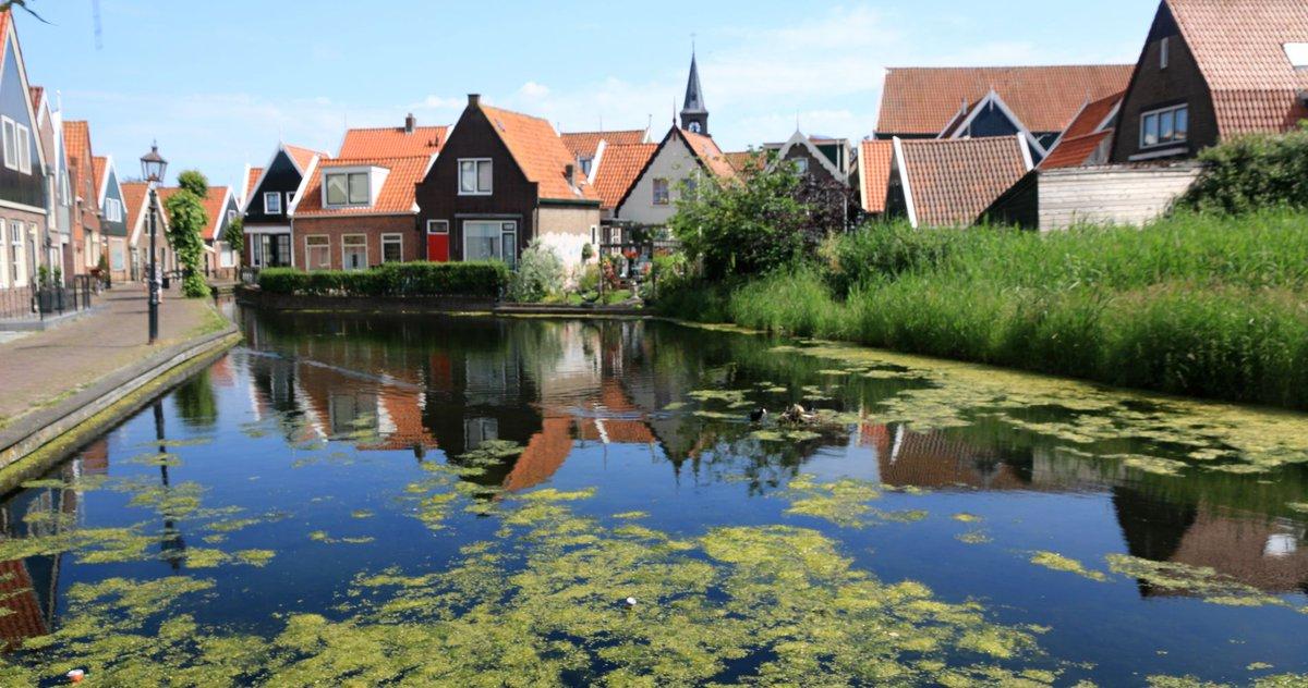 المسافرون العرب On Twitter قرية فولندام أجمل القرى الريفية في هولندا تسمى قرية الصيادين حيث تستمتع بصيد الأسماك والتجول بين شوارعها بين المنازل الصغيرة المتداخلة مع القنوات المائية الجميلة وزيارة مصنع الجبن