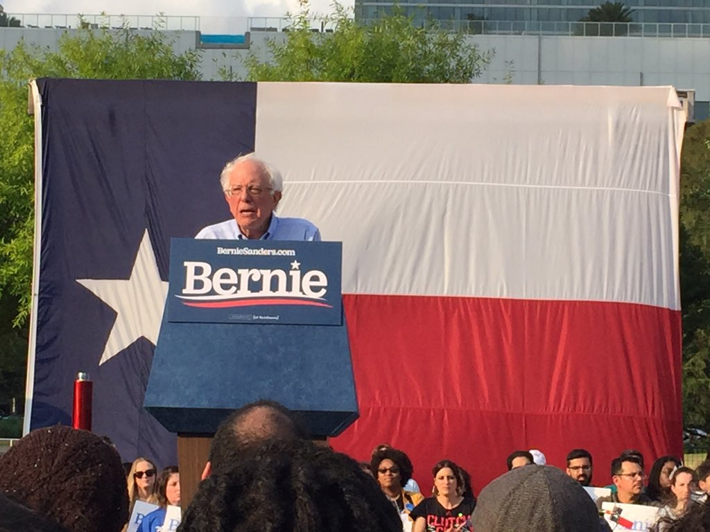 you @BernieSanders @ninaturner in Houston, Texas<br>http://pic.twitter.com/dHx65gr03n