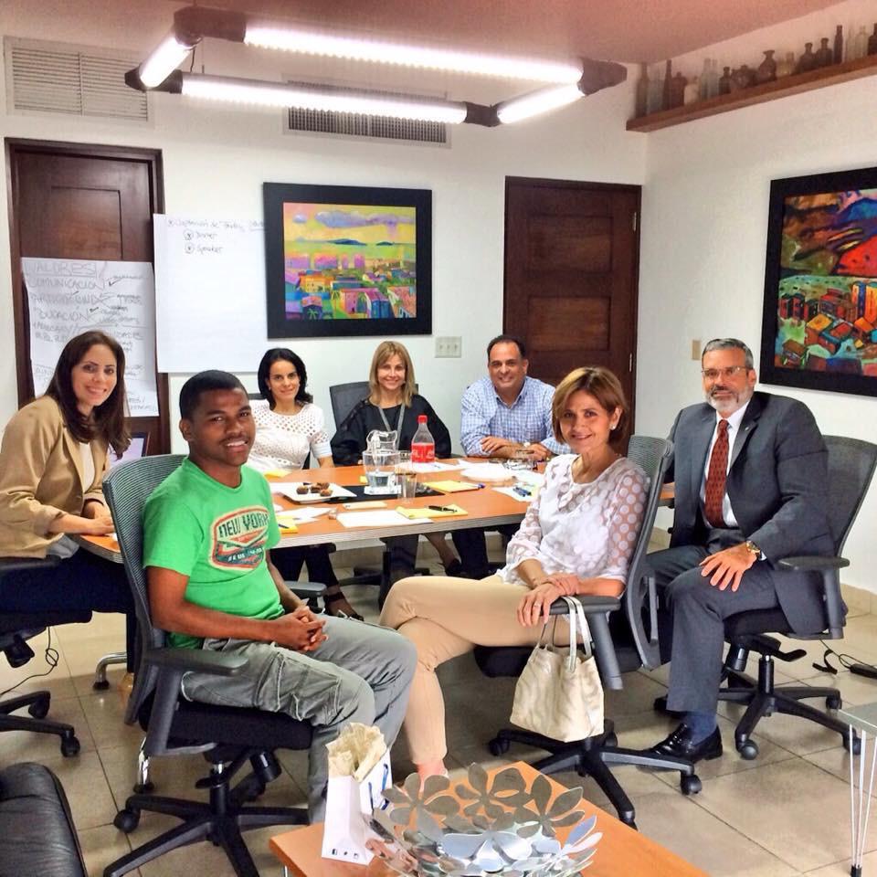 Algo que me apasiona es trabajar por Panamá, hace unos años en nuestra JD de @TuPanama. Aquí con grandes amigos @AMOTTAPTY @RossanaLuigia @achevalier1 @maraarias @jbmckay57 y Nela. https://t.co/OxPVHhbYsH
