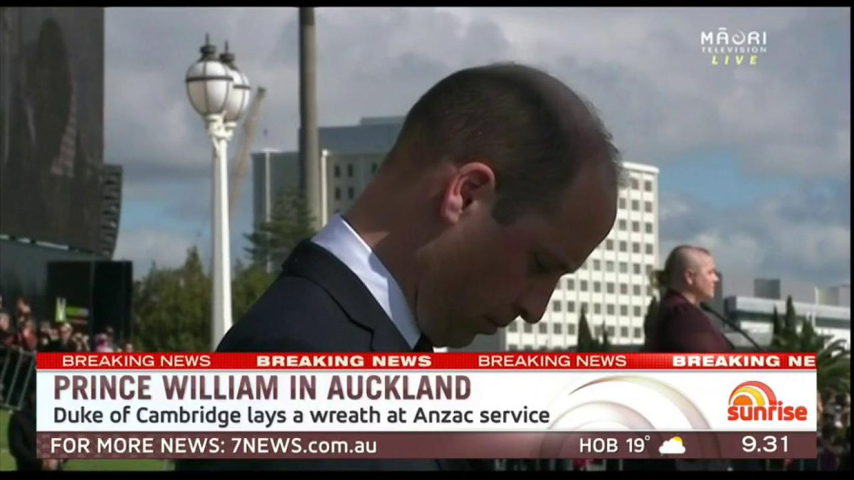 Prince William has laid a wreath during an #AnzacDay service in Auckland.