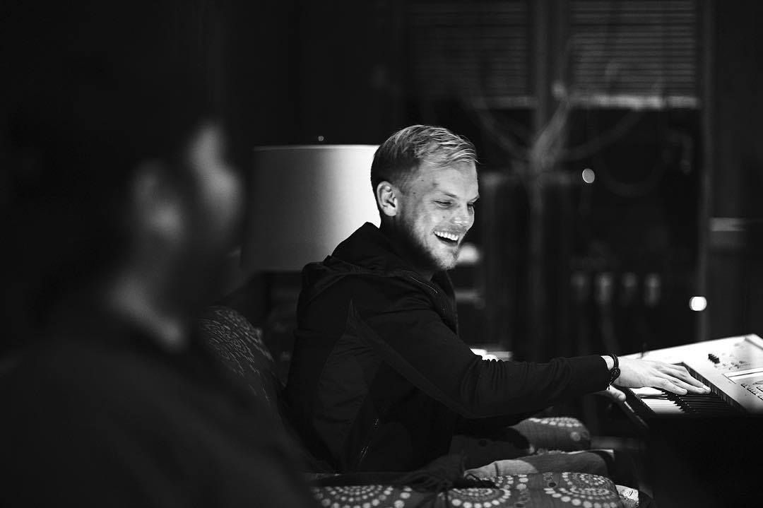 """An Avicii biography is in the works as one of Swedens most respected journalists is set to write an """"honest portrait"""" of his life & all proceeds will go towards the Tim Bergling Foundation ❤️ dncgastrnt.co/avbo"""