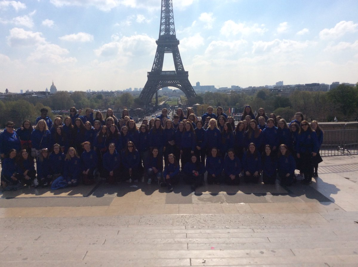 Paris welcomes 69 of our second year students & 8 teachers  @stleoscarlow