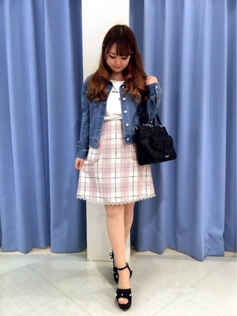 チェックミニスカート♡ http://snap.hana-bi.jp/front/detail/id/78821…