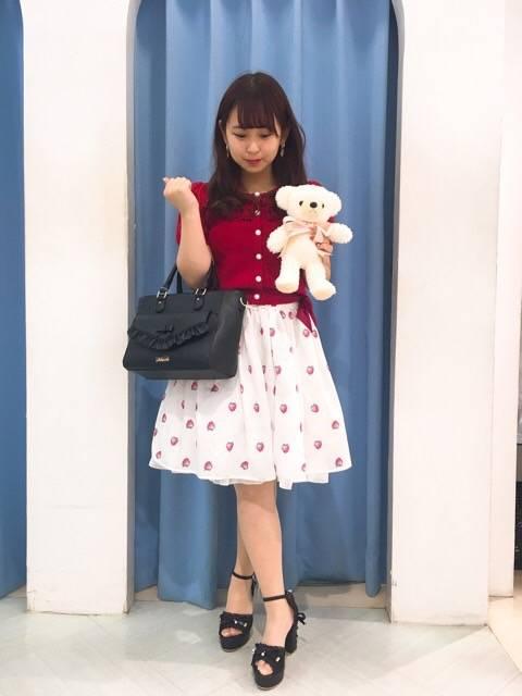 mille fille closet♡イチゴ柄スカート http://snap.hana-bi.jp/front/detail/id/78826…