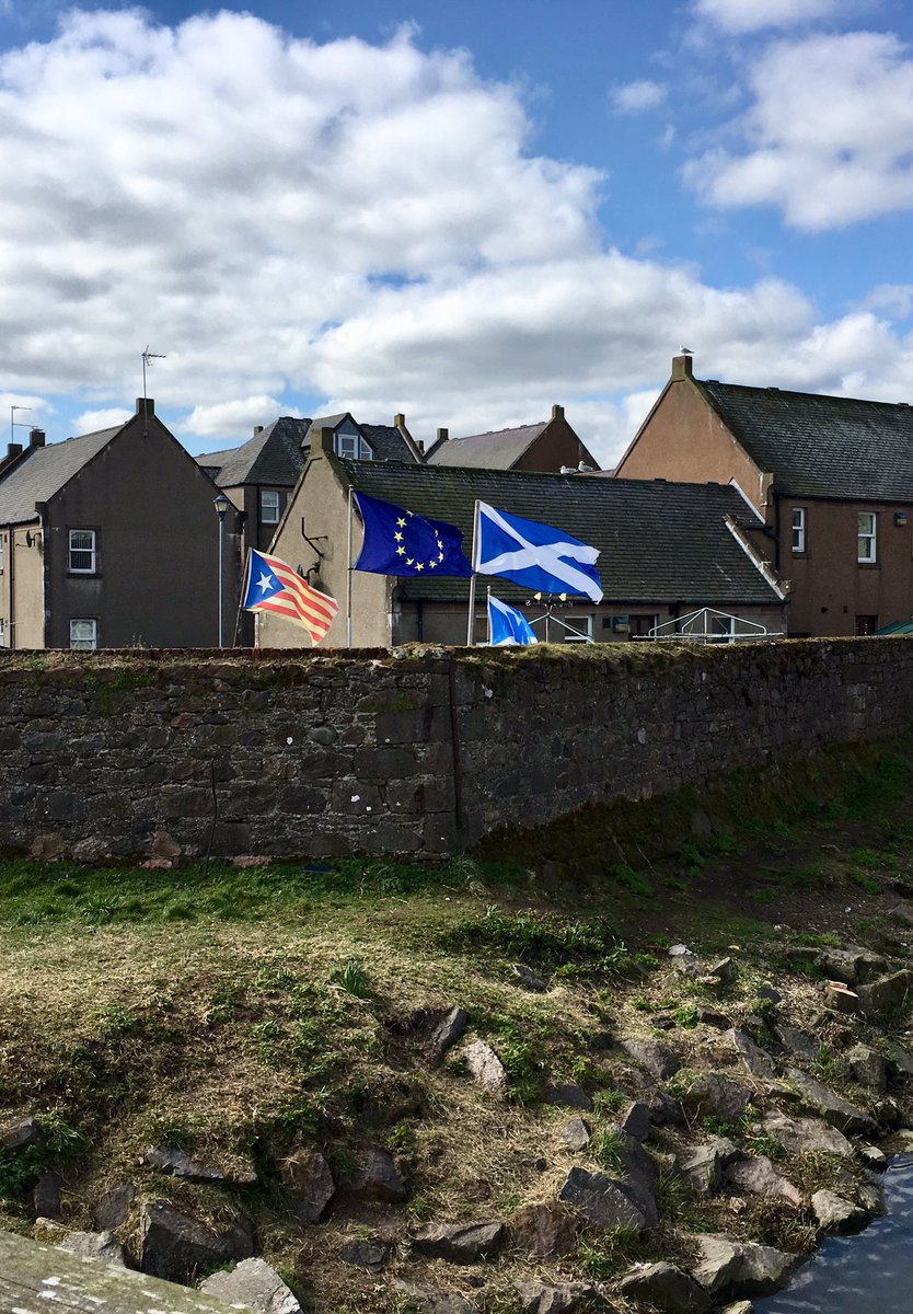 The good people of Stonehaven showing their solidarity with our friends and neighbours in Europe and Catalunya.