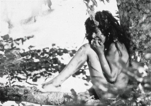 """8 de enero de 1800. Bosques de Caune, cerca de los Pirineos. Tres cazadores se encuentran con un niño, desnudo, encorvado y con el pelo largo. Se trata del """"niño salvaje"""" Víctor de l'Aveyron.  ¿Cómo evoluciona una cultura? Hilo va!!"""