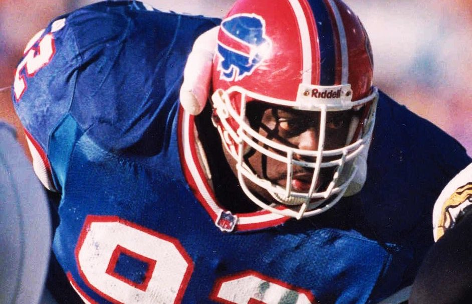 """Happy Birthday to one of the greatest run stoppers of all time! All-Pro Nose Tackle, Ted """"Mount"""" Washington! #BillsLegend"""
