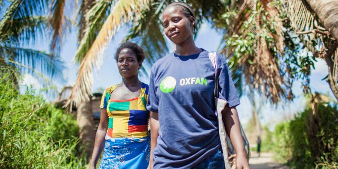 Oxfam's community activists in Mozambique are working to prevent cholera. If you would like to help them you can donate in store or on the #Oxfam website. Find more info about their work here: http://bit.ly/2UOQJzm #CycloneIdai