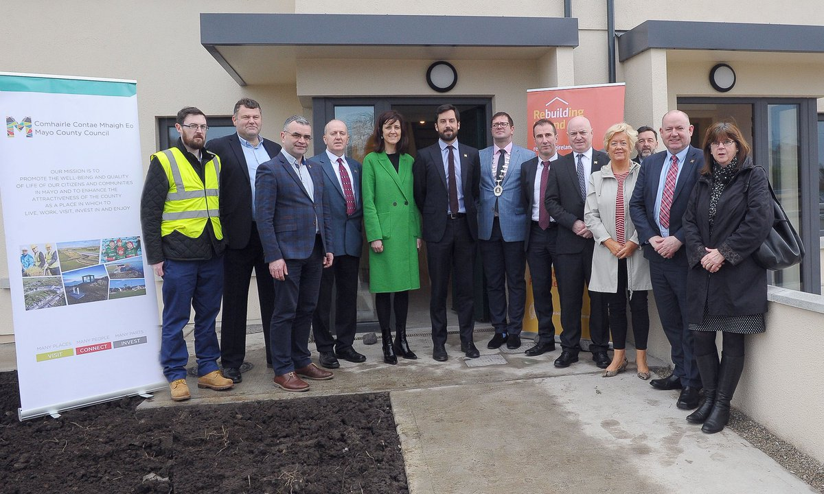 On a recent visit to Mayo @MurphyEoghan got an opportunity to view the great progress @MayoCoCo is making on delivery of its housing programme. #RebuildingIreland #Housing #Mayo