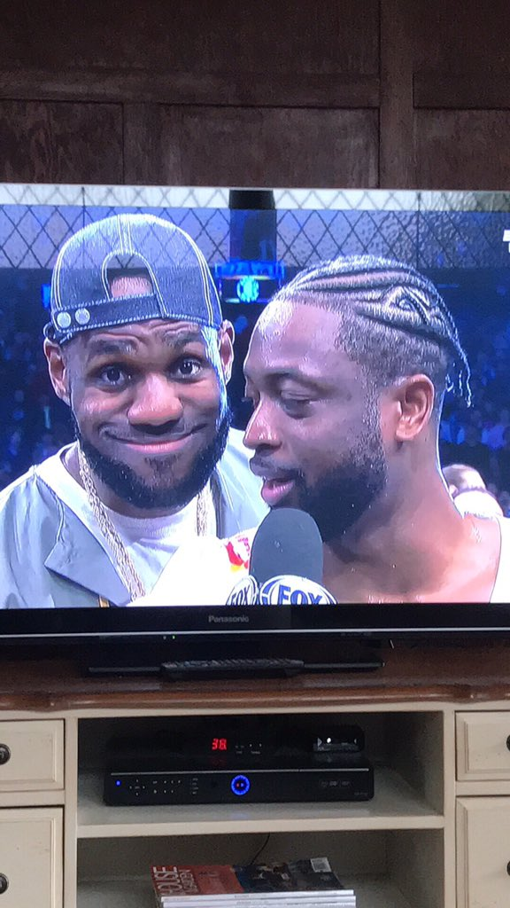 Me watching the sixers getting blown out and booed at home 😂😂