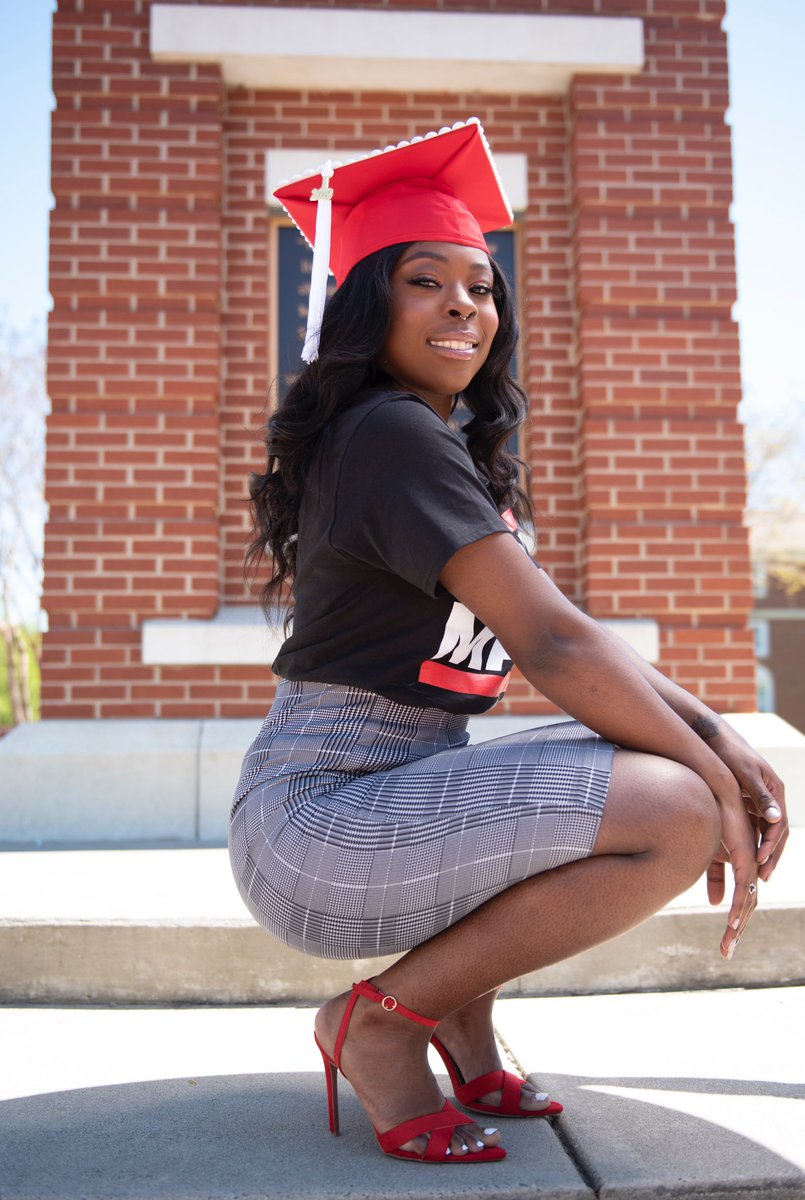 A woman of substance #PrettyandEducated #WSSU pic.twitter.com/7aw2yay97s
