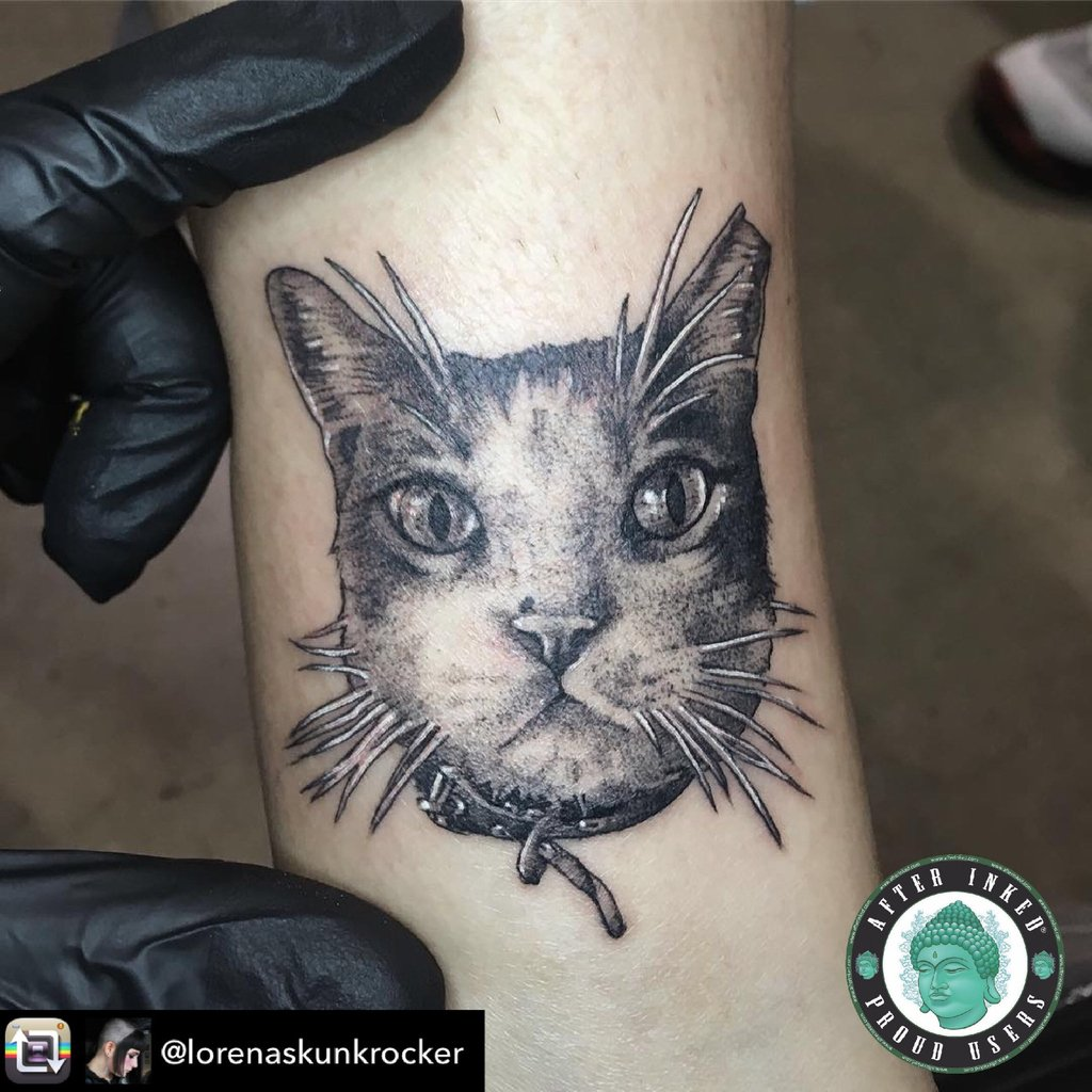 Happy #Caturday #afterinked #formulatedforperfection #afterinkedeveryday #tattooaftercare #piercingaftercare #inkseal #npj #vegan